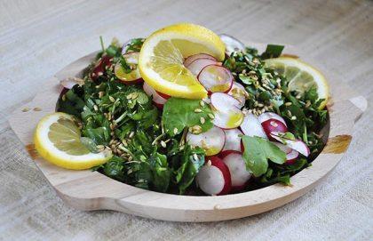 Spring-Detox-Salad-Salata-detoxifianta-de-primavara